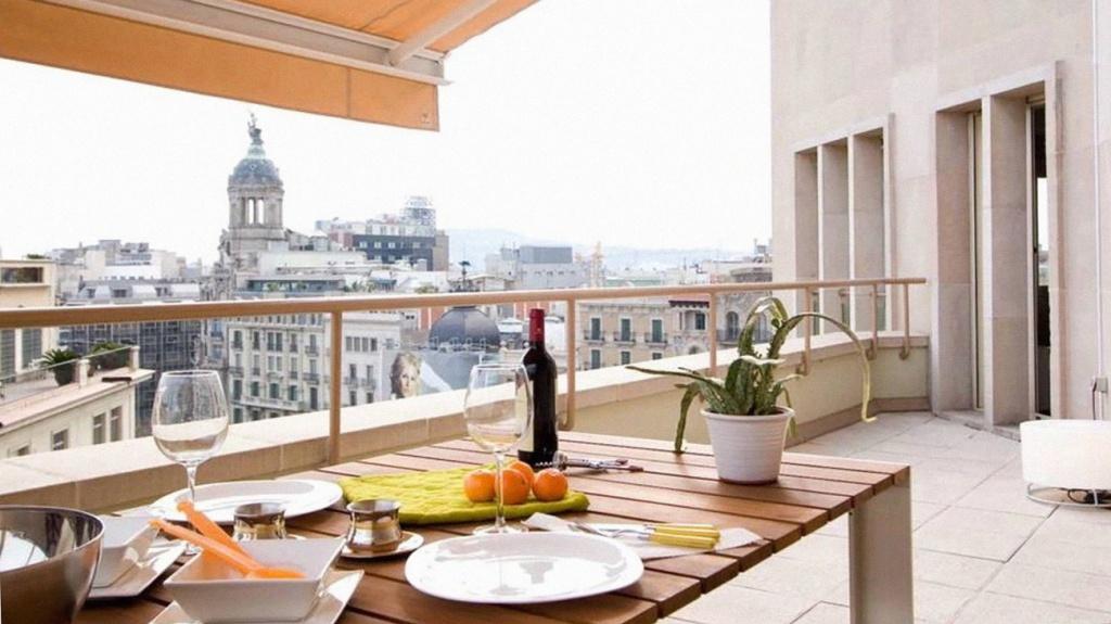 Чем отличаются лоджия, балконы, терраса, веранда и эркер?